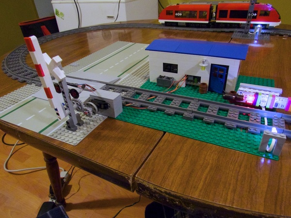 Large littlebits railroad 7